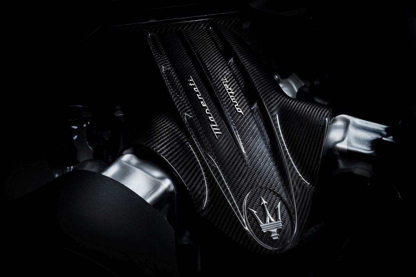 Large-16832-MaseratiMC20